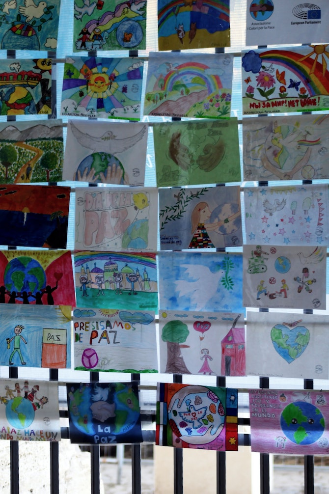 Kid paintings of peace